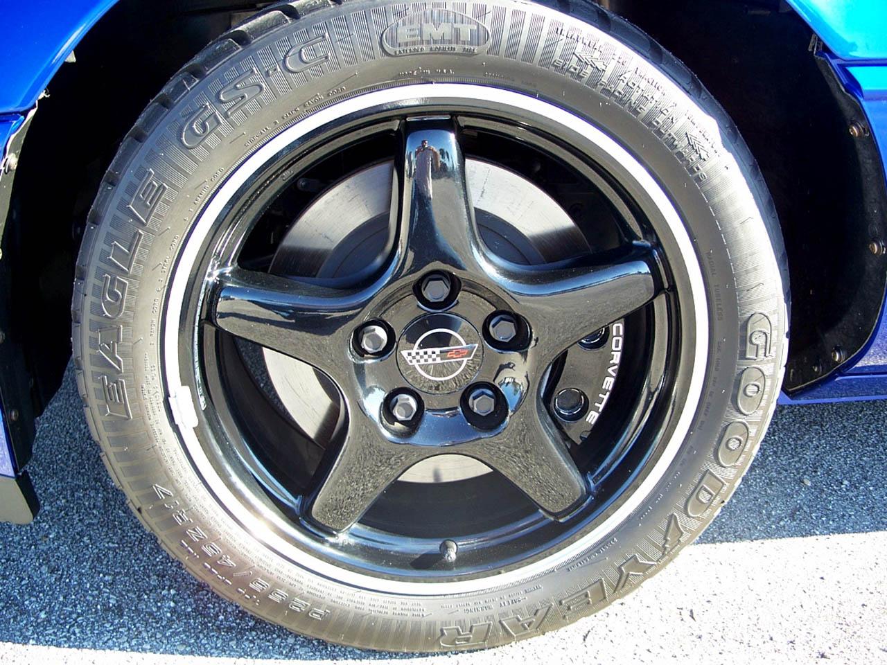 Corvette Spotlight of the Month -- Roger\'s Corvette Center